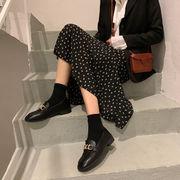 靴 女靴 春 新しいデザイン スクエアヘッド 小さな靴 女性英国スタイル 粗製 怠惰な