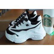 女靴 新しいデザイン 秋 靴 古い ? 女 ネット レッド 小 白 知恵 熏 何でも似合