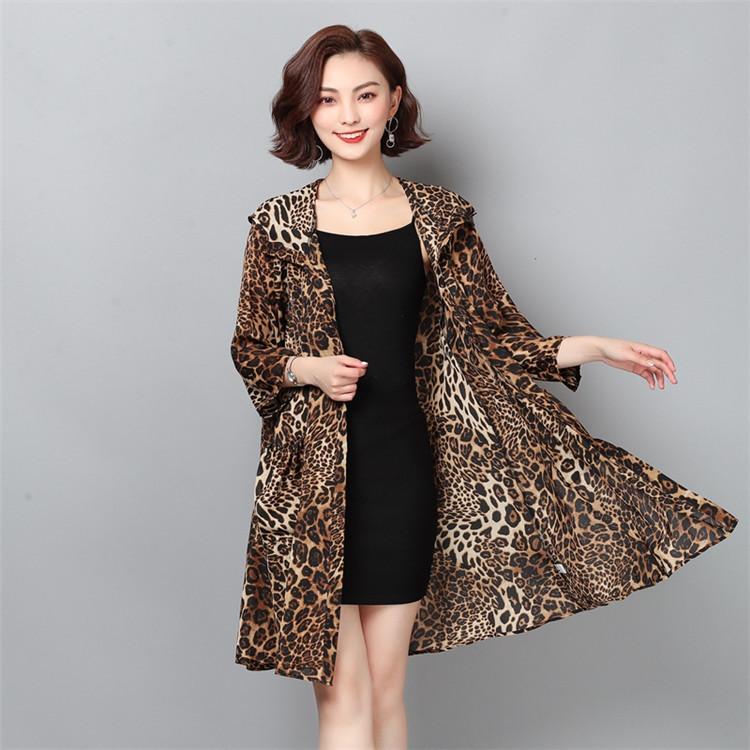 【お時間限定SALE】韓国ファッション 新品 大人気 フード付き シフォン レオパード カーディガン コート