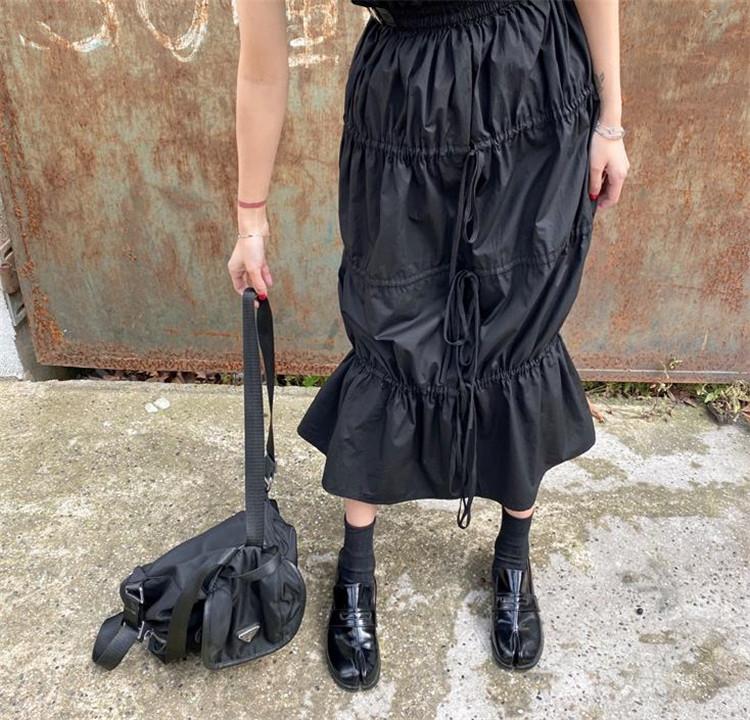ハイウエスト スカート ギャザリング Aライン 大人気 中・長セクション デザインセンス 巾着 ベルト装飾