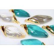 ダイヤ型ペンダント/幾何デコパーツ/高透明度樹脂/トレンドパーツ/アソートペアセット