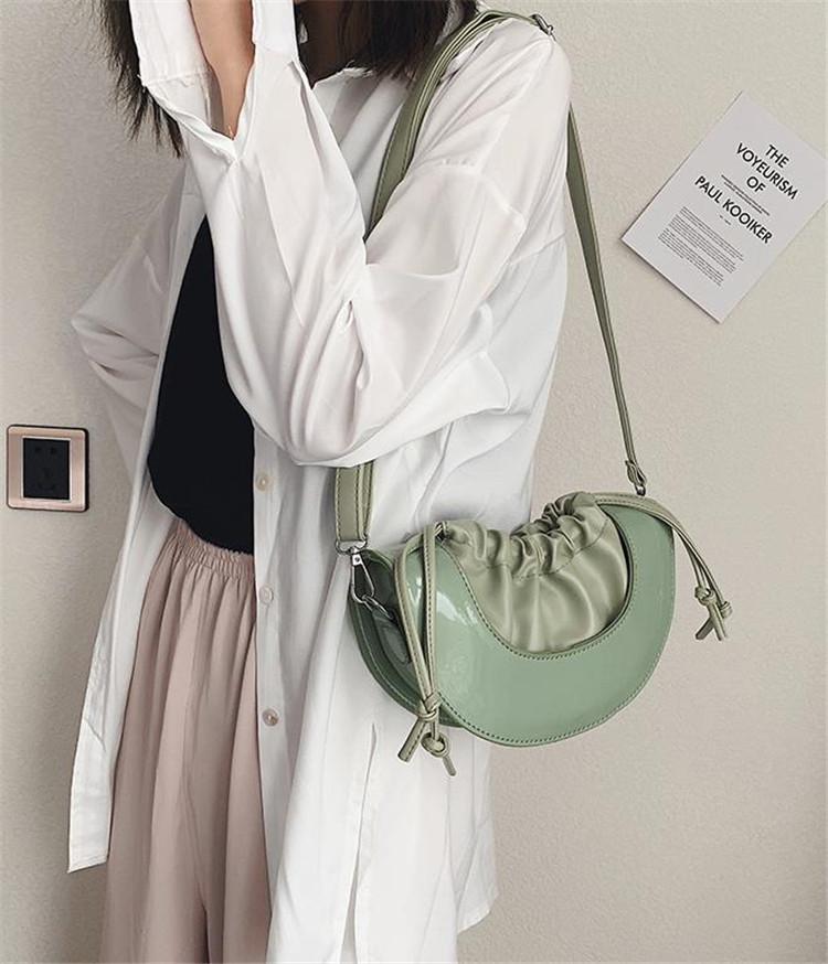 新しいデザイン 韓国ファッション オシャレ クロスボディ シンプル ソフト面 ハーフムーン 上品映え