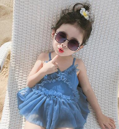 水着 キッズ 子ども 女の子 ワンピース 日焼け止め お姫様 かわいい トレンド おしゃれ 人気
