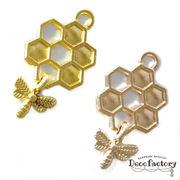10個~ 蜂のミニチャーム付き 蜂の巣チャーム (全2色)