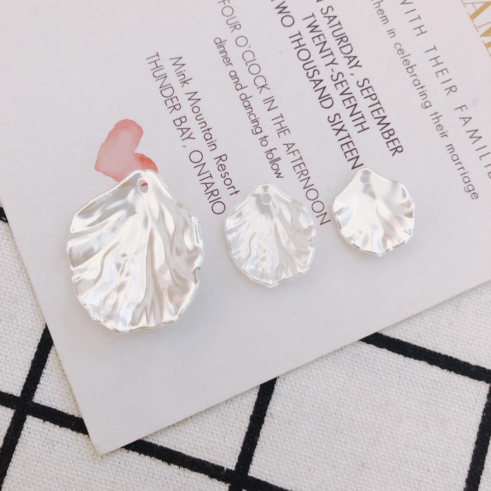 デコパーツ 貝殻デザイン 花びら 海 マリン ピアスパーツ アクリル チャーム アクセサリーパーツ クラフト