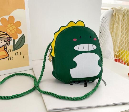 バッグ 鞄 カバン 斜め掛け 肩掛け キッズ 子ども アニメ 恐竜 カジュアル かわいい 人気