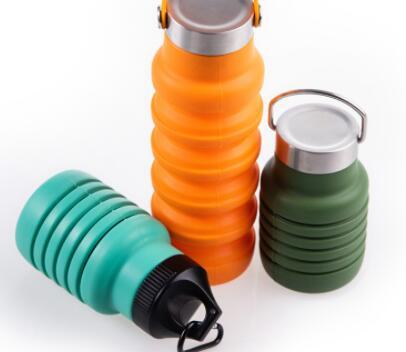 ポータブルスポーツウォーターボトル屋外シリコン折りたたみウォーターカップ