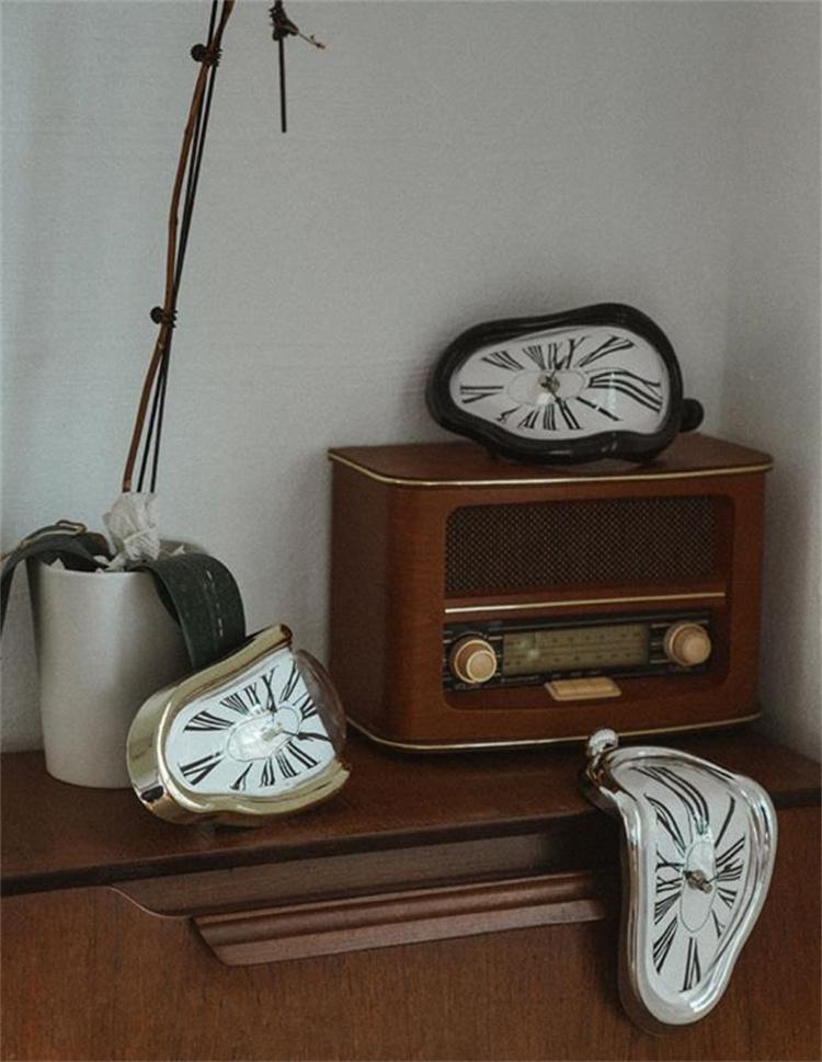 週末限定 早い者勝ち 壁掛け時計 装飾 大人気 新品 ミュート アート 時計 溶ける 個性